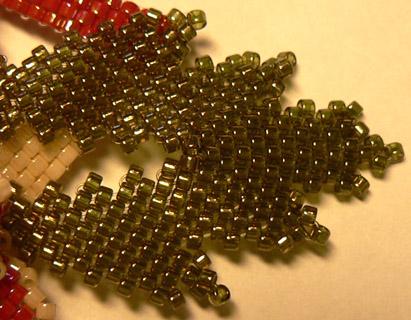 Плетение листочка из бисера